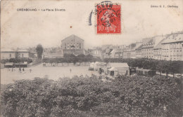 Cherbourg La Place Divette (avec Stand Et Roulotte) - Cherbourg