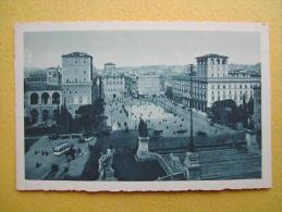 La Place De Venise. - Places & Squares
