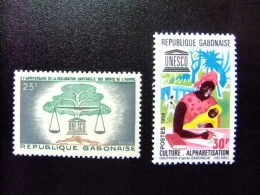 REPUBLIQUE GABONAISE - GABON   1963 15 º ANIVERSARIO  DERECHOS DEL HOMBRE -  UNESCO Yvert & Tellier Nº 168 + 193 ** MNH - UNESCO
