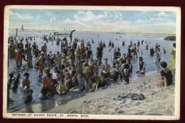 Cpa  Etats Unis Michigan  Bathing At Silver Beach  St Joseph    ARF9 - Etats-Unis
