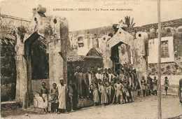 Mai13 1219 : Comores  -  Moroni  -  Place Des Assemblées - Comores