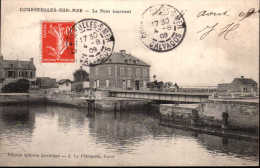 Courseulles-sur-Mer - Le Pont Tournant Attelage - France