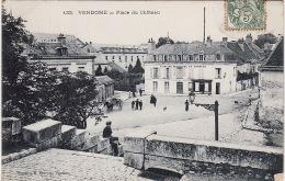 VENDOME -  Place Du Chateau ,animée - Vendome