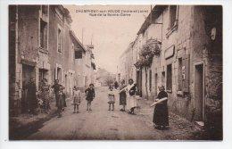 Ref 120  : CPA 37 Champigny Sur Veude Rue De La Bonne Dame Animation - Champigny-sur-Veude