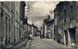 CP, 79, Champdeniers, Grande Rue Et Hôtel De Ville, Vierge - Champdeniers Saint Denis