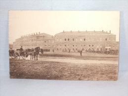 Liège. Caserne Chartreuse. La Cour D'exercice. - Casernes