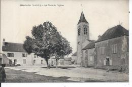 MEREVILLE - La Place De L'Eglise - Mereville