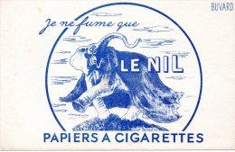 - BUVARD Papiers à Cigarettes LE NIL - 157 - Stationeries (flat Articles)