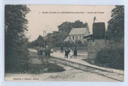 1. SAINT-JULIEN-de-VOUVANTES - SORTIE DE LA GARE - France