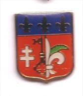 F210 Pin´s Village Borny  Prés Metz Ecusson Blason Croix De Lorraine ( De Gaulle) Lys Achat Immediat - Städte