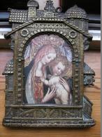 Encadrement En Cuivre Repoussé Formant Sous Verre Avec Vitre  23 X 16 Cm Idéal Avec Image Religieuse - Patches