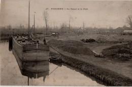 Peronne Le Canal Et Le Port    Peniche - Peronne
