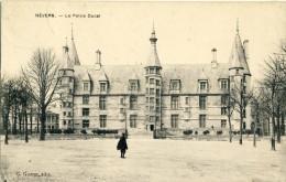 CP, 58, Nevers, Le Palais Ducal, Voyagé En 1909 - Nevers
