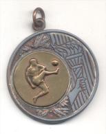 FUTBOL FOOTBALL BALOMPIE FUTEBOL MEDALLA GRAND FORMAT CIRCA 1950 RARE ET BELLE - Professionals / Firms