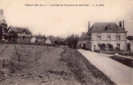 Rablay-sur-Layon..arrivée De Thouarcé..au Pile-Pain..voiture Ancienne..vignes - Other Municipalities
