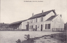 CPA - 91 - SACLAS - La Gare - 27 - France