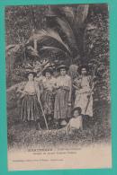 FORT DE FRANCE (Martinique) --> Groupe De Jeunes Femmes Créoles - Fort De France