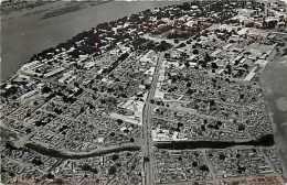 Mai13 1417 : Tchad  -  Fort-Lamy  -  Avenue de la mosqu�e  -  Camp Koufra