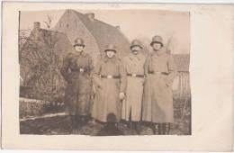 Lallaing Grande Guerre 14.18 Groupe De Soldats Allemands Derrière La Maison Februar 1918 Privee Photo Cartes - Douai