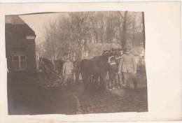 Lallaing Grande Guerre 14.18 Équipe De Cheval Avec Des Soldats Allemands Sur La Route Du Village 1918 Privee Photo Carte - Douai