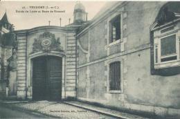 16. Vendôme, Entrée Du Lycée Et Buste De Ronsard, Nouvelles Galeries édit. - Vendome