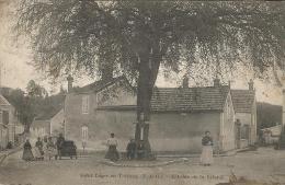 SAINT - LEGER - EN - YVELINES   ***  L'arbre De La Liberté   *** Cpa Très Animée - St. Leger En Yvelines