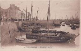DOUARNENEZ  Sardiniers Au Port - Douarnenez