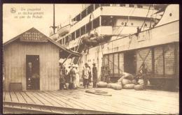 CPA 1949 CONGO UN PAQUEBOT EN DECHARGEMENT AU PIER DE MATADI - Unclassified