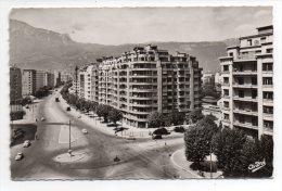 CPSM - GRENOBLE - PLACE GUSTAVE RIVET - N/b - Ann 50 - - Grenoble