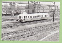 Automotrice à Identifier. Photo - Trains