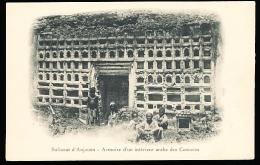 COMORES ANJOUAN / Armoire D'un Intérieur Arabe / - Comores