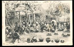 FIDJI DIVERS / Femmes Indigènes Fabricant Des Marmites Et Des Gargoulettes / - Fidji