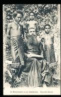 PAPOUASIE NOUVELLE GUINEE DIVERS / Un Missionnaire Et Ses Catéchistes / - Papoea-Nieuw-Guinea