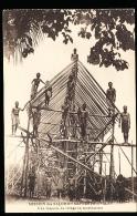 ILES SALOMON DIVERS / Une Chapelle De Village En Construction / - Solomoneilanden