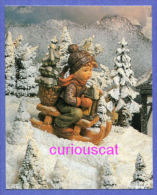 CARD PRINT Of WINTER SNOW SCENE With M I HUMMEL BOY FIGURINE  On SLED Mit BASKET And LANTERN For LOISIRS HOBBY CRAFTS - Sonstige