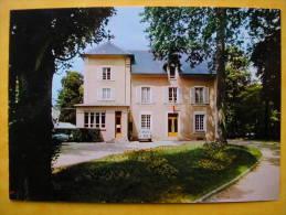 Cpm 77 DAMMARIE LES LYS  La Mairie  Renault 4 - Dammarie Les Lys