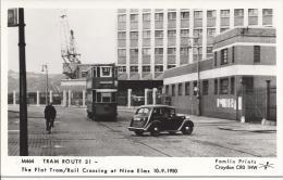 7340 - M464 Tram Route 31 The Flat Tram/Rail Crossing At Nine Elms 10.09.1950 - Trains