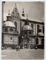 Pologne--KRAKOW--Cracovie--1967---La Cathédrale De Wawel (animée) Cpsm 10 X 15 ---timbre Au Dos - Pologne