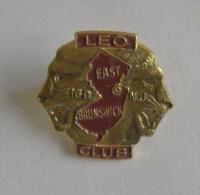 Pin's LEO CLUB East Brunswick  - Pins Lion Fauve Lions Club - Animaux