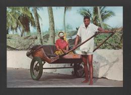 Postcard 1960s MOZAMBIQUE ISLAND MOÇAMBIQUE RICKSHAW & NATIVES ETHNIC AFRICA - Mozambique