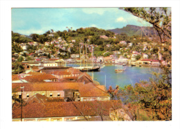 Grenada: Fort George Overlooks The Inner Harbour And Town Of St. George's (13-1688) - Grenada
