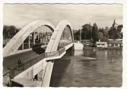 DECIZE. - Le Nouveau Pont Sur La Loire.  CPM Dentelée - Decize