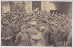 SISSONNE Eintreffen Der Neuen Zeitungen In Der Feldbuchandlung Deutsch Soldat Soldats Weihmacht Krieg WW1 German Troops - Sissonne