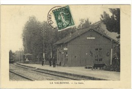 Carte Postale Ancienne La Valbonne - La Gare - Chemin De Fer - Frankrijk