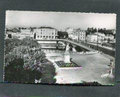 SAINTES 1950  PONT ET PLACE PALISSY   CIRC NON  EDIT  ELCE - Saintes