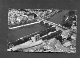 SAINTES 1950  PONT PALISSY  ET PLACE ARC DE TRIOMPHE    CIRC NON  EDIT  ELCE - Saintes