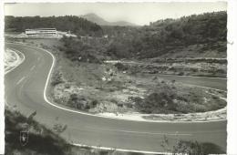 R :  Puy De  Dôme :  Le  Circuit  De  Charade , Les  Tribunes ,  Au  Fond  Le  Puy De  Dôme - France