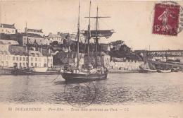DOUARNENEZ Port Rhu Trois Mâts Arrivant Au Port - Douarnenez