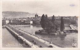 Cp , SUISSE , GENÈVE ,L' Île Rousseau , Perspective Du Pont Du Mont-Blanc - GE Ginevra