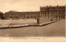CPA - JARDINS DE VERSAILLES - LE PARTERRE D'EAU - L. L. - 24 - Versailles (Château)